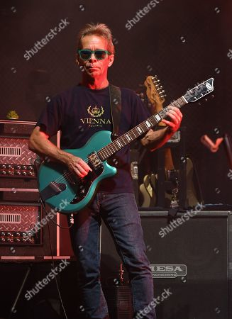 Dave Matthews Band - Tim Reynolds