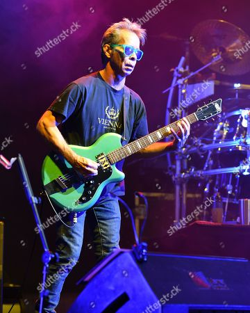 Dave Matthews Band - Tim Reynolds