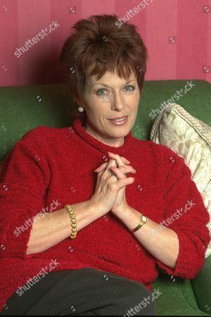 Jill Gascoine - Actress - 1995 4383 5096 1631 1207 Daily Mail 4/12/95 -1 Barham Jill Gascoine