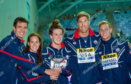 (L-R) Nathan Adrian, Leah Smith, Allison Schmitt, Matt Grevers and Caeleb Dressel of the United States of America (USA) pose with the trophy for the best Team at the Swimming events at the Gwangju 2019 FINA World Championships, Gwangju, South Korea, 28 July 2019.