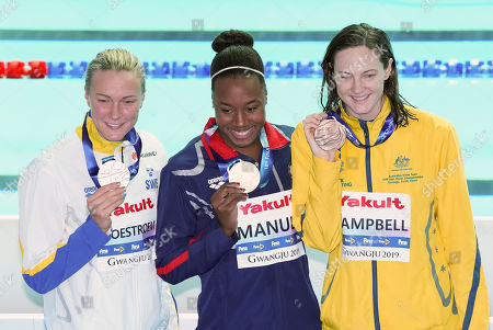 From left, Sarah Sjoestroem (SWE), silver medal, Simone Manuel (USA), gold medal, and Cate Campbell (AUS), bronze medal, after victory ceremony for Women's 50m Freestyle Final