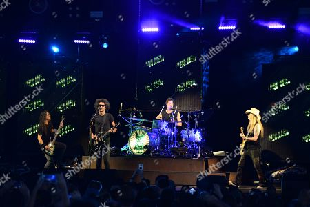 Mike Inez, William DuVall, Sean Kinney, Jerry Cantrell