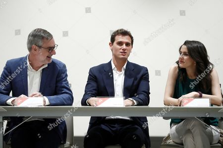 Ciudadanos (Citizens) party's leader Albert Rivera (C) chats with party's Secretary Jose Manuel Villegas (L) and Ciudadanos' parliametary Spokeswoman Ines Arrimadas, during the extraordinary meeting of party's General Council in Madrid, Spain, 29 July 2019. The meeting is focused on increasing the members of the party's national executive committee up to 50, which will allow to include allies of Rivera, after some party's members left Ciudadanos disagreeing the party's decision of not supporting the investiture of acting Prime Minister Pedro Sanchez.