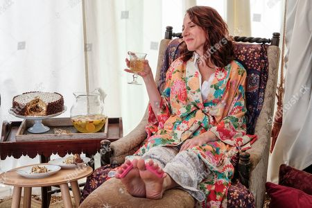 Seana Kofoed as Maggie