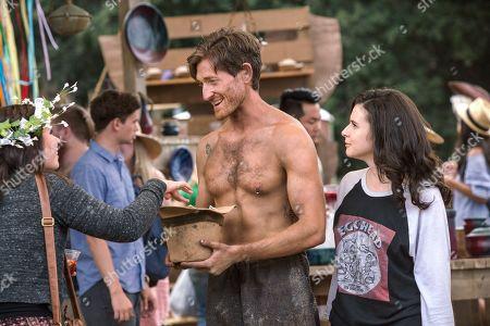 Lucas Neff as David Poland and Georgia Flood as Amanda Klein
