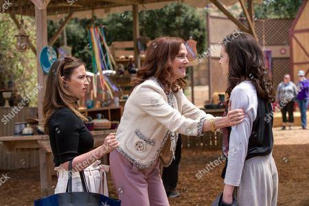 Sas Goldberg as Erin Klein-Fagel, Lesley Ann Warren as Joanntha Klein and Georgia Flood as Amanda Klein