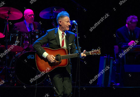 Lyle Lovett and his Large Band 27