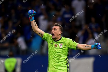 River Plate's goalkeeper Franco Armani in action during the penalty round of a Copa Libertadores 2019 match between Cruzeiro of Brazil and River Plate of Argentina at Mineirao Stadium in Belo Horizonte, Brazil, 30 July 2019.
