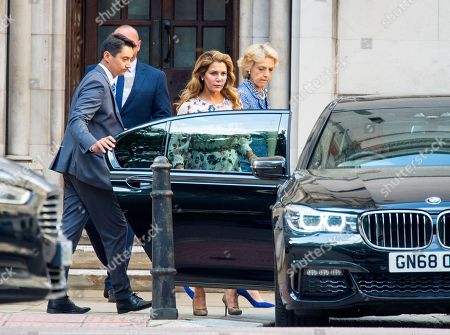 Stock Image of Princess Haya of Jordan arriving at the High Court in relation to 'the welfare of the two children of their marriage' with Sheikh Mohammed the ruler of Dubai.
