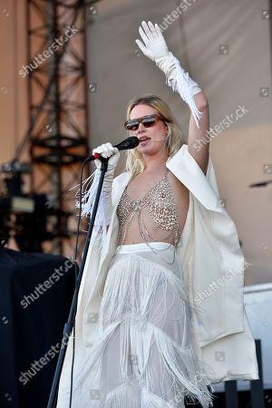 """Stock Photo of EDS NOTE: NUDITY Natalie Bergman of Wild Belle performs an opening act during """"The Night Running Tour"""" at the Huntington Bank Pavilion, in Chicago"""