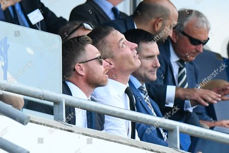 2005 England Ashes legends Ian Bell and Simon Jones look up to the sky as spots of rain begin to fall during the International Test Match 2019 match between England and Australia at Edgbaston, Birmingham
