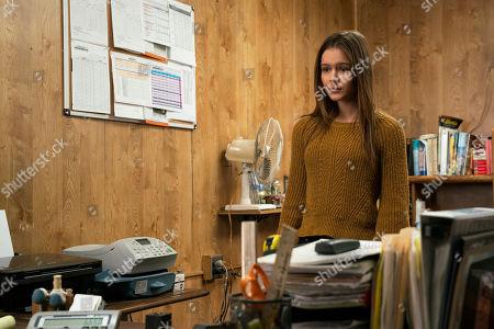 Izabela Vidovic as Matty Ross