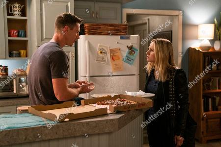 Jason Dohring as Logan Echolls and Kristen Bell as Veronica Mars