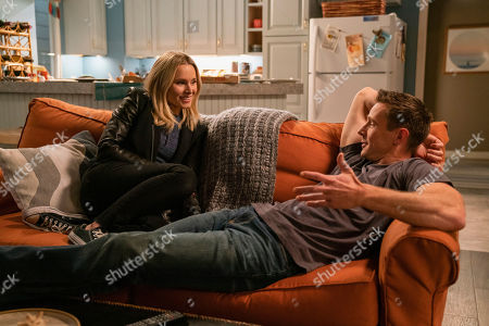 Kristen Bell as Veronica Mars and Jason Dohring as Logan Echolls