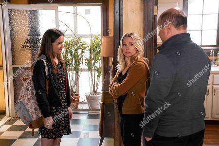 Izabela Vidovic as Matty Ross, Kristen Bell as Veronica Mars and Enrico Colantoni as Keith Mars