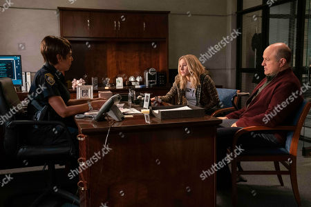 Dawnn Lewis as Marcia Langdon, Kristen Bell as Veronica Mars and Enrico Colantoni as Keith Mars