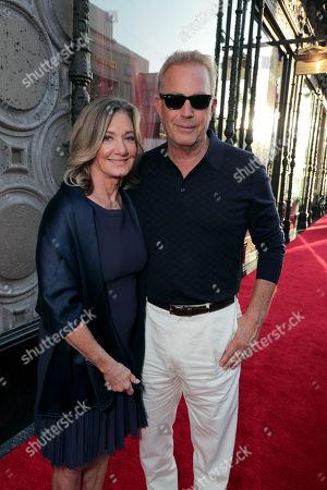 Stock Photo of Elizabeth Gabler, Kevin Costner