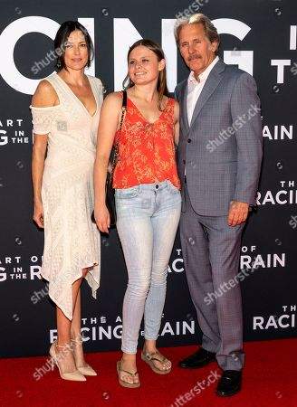 Gary Cole (R) and daughter Mary Cole (C)