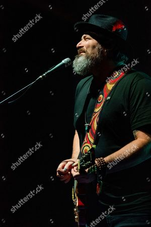 Chan Kinchla of Blues Traveler performs on stage at the Coca-Cola Roxy, in Atlanta