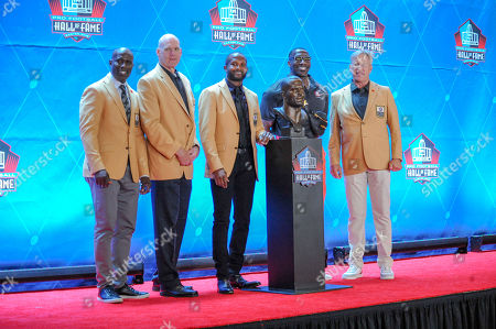rd, Champ Bailey, Terrell Davis, & John Elway during the Pro Football Hall of Fame Enshrinement in Canton, OH