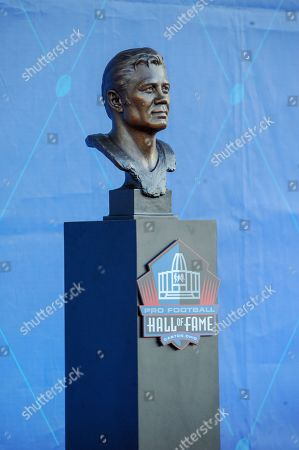 rd, Johnny Robinson bust during the Pro Football Hall of Fame Enshrinement in Canton, OH