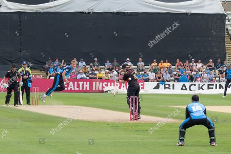 Dillon Pennington bowling to Harry Dearden during the Vitality T20 Blast North Group match between Worcestershire Rapids and Leicestershire Foxes at Blackfinch New Road, Worcester