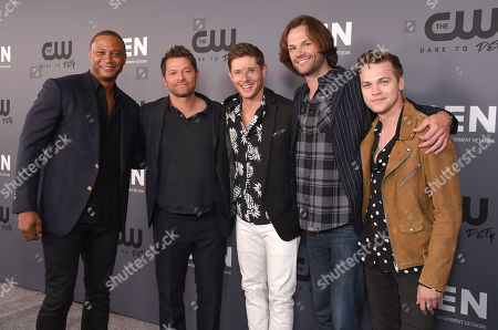 Stock Picture of David Ramsey, Misha Collins, Jensen Ackles, Jared Padalecki and Alexander Calvert