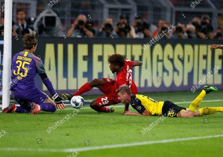 Dortmund, Germany, DFL-Supercup, Borussia Dortmund : FC Bayern Muenchen 2-0 03. 08. 2019 im Signal-Iduna Park in Dortmund. goalkeeper Marvin HITZ (BVB) -,  Kingsley COMAN (FCB) 2.v.- and Lukasz PISZCZEK (BVB) -