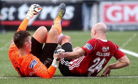 Derry City vs Waterford. Waterford goalkeeper Matthew Connor and Derry's Grant Gillespie