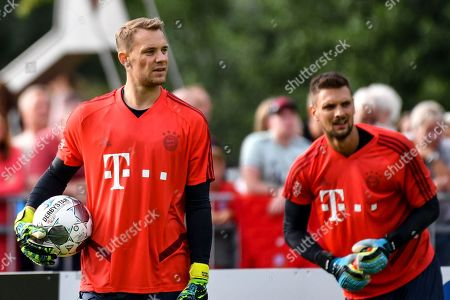 Bayern's goalkeepers Manuel Neuer and Sven Ulreich (L-R) during a public training session of the FC Bayern Muenchen training camp in Rottach Egern, Germany, 06 August 2019. The german first dvision soccer team is preparing for the 2019/2020 season until 10 August.
