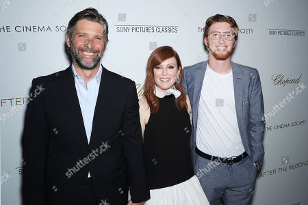 Stock Photo of Bart Freundlich, Julianne Moore, Cal Freundlich