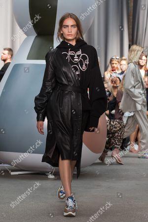 Stock Photo of Nina Marker on the catwalk