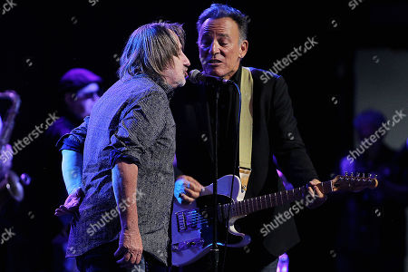 Southside Johnny and Bruce Springsteen