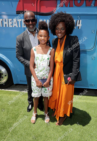 Julius Tennon, Genesis Tennon and Viola Davis at the Premiere of Columbia Pictures and Rovio Animations 'The Angry Birds Movie 2' at Regency Village Theatre, in theaters Tuesday, August 13'