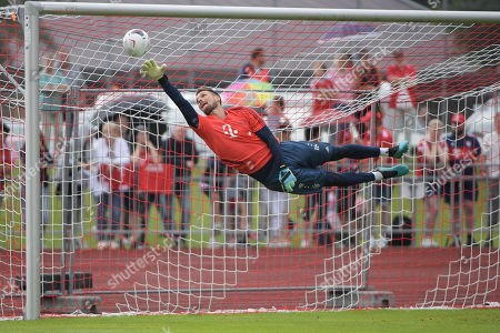 Parade of  goalkeeper Sven Ulreich (FC Bayern Muenchen #26) , Trainingslager FC Bayern Muenchen , Tegernsee, Bundesliga, 10.08.2019 DFL REGULATIONS PROHIBIT ANY USE OF PHOTOGRAPHS AS IMAGE SEQUENCES AND/OR QUASI-VIDEO