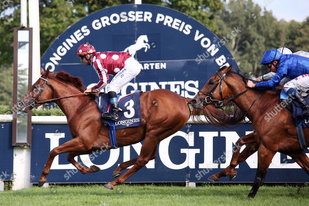 , Hoppegarten, French King with Olivier Peslier up wins the 129. Longines Grosser Preis von Berlin at Hoppegarten racecourse, Germany.