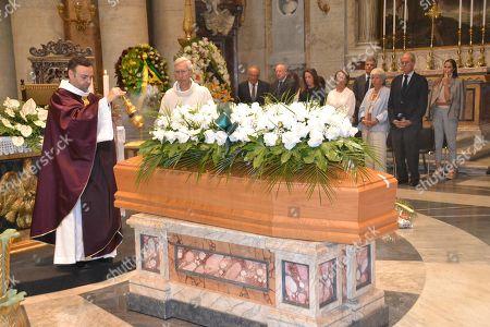 Funeral of Frabrizio Saccomanni, Lauro