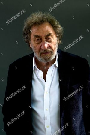 Howard Jacobson attends a photocall.