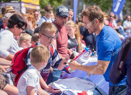 Jonny Wilkinson meets fans