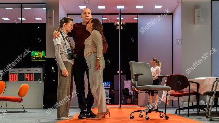 Gaite Jansen (Antigone), Hans Kesting (Oedipus), Marieke Heebink (Jocaste) and Eva Heijnen (Lichas)
