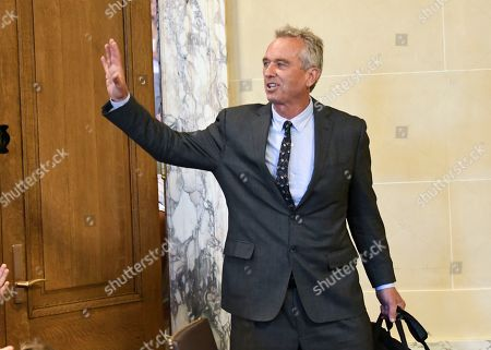 Attorneys Robert F. Kennedy, Jr. arrives for a hearing challenging the constitutionality of the state legislature's repeal of the religious exemption to vaccination on behalf of New York state families who held lawful religious exemptions, during a rally outside the Albany County Courthouse, in Albany, N.Y