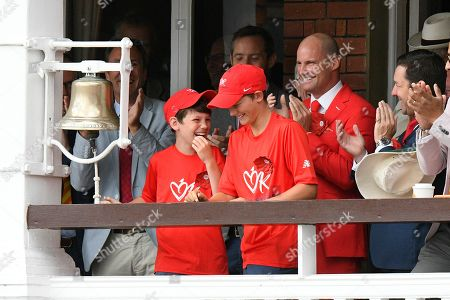 Andrew Strauss with his sons ring the 5 minute bell for Ruth Strauss day during the International Test Match 2019 match between England and Australia at Lord's Cricket Ground, St John's Wood