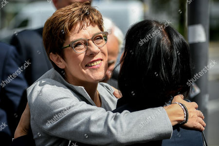 German Defence Minister Annegret Kramp-Karrenbauer attends the unveiling of the Helmut-Kohl-Allee in front of the 'Kunstmuseum Bonn - Museum Mile' in Bonn, Germany, 15 August 2019. The approximately 400-metre-long section adjoins Willy-Brandt-Allee and extends to Helmut-Schmidt-Platz, which was renamed in 2016. The new street name has been officially in force since 01 August 2019 and is intended to commemorate the former chancellor in the former federal capital.