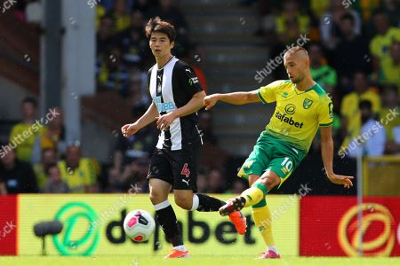 Moritz Leitner of Norwich City and Ki Sung-Yueng of Newcastle United - Norwich City v Newcastle United, Premier League, Carrow Road, Norwich, UK - 17th August 2019