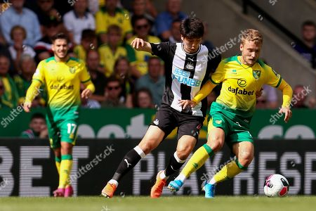 Emi Buendia of Norwich City and Ki Sung-Yueng of Newcastle United - Norwich City v Newcastle United, Premier League, Carrow Road, Norwich, UK - 17th August 2019