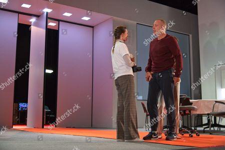 Gaite Jansen as Antigone, Hans Kesting as Oedipus in a Theatre Amsterdam production