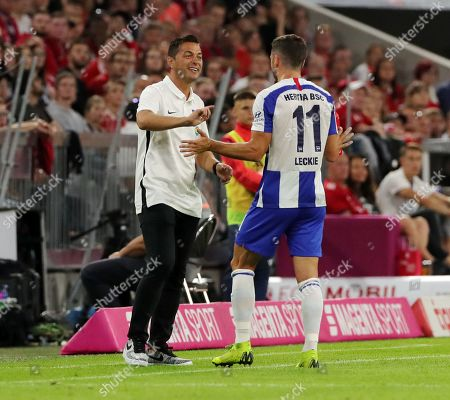 Trainer Ante Covic , Mathew Leckie    / Sport / Football / DFL Bundesliga  /  2019/2020 / 16.08.2019 / FC Bayern Muenchen FCB vs. Hertha BSC Berlin / DFL regulations prohibit any use of photographs as image sequences and/or quasi-video. /