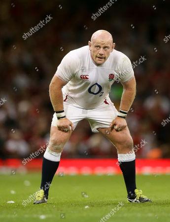 Dan Cole of England