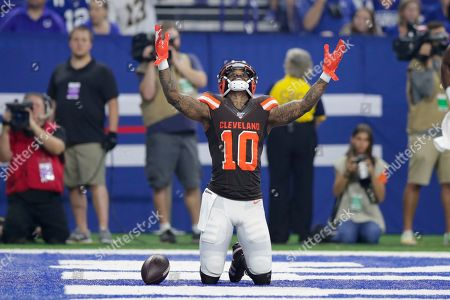 Cleveland Browns wide receiver Jaelen Strong (10) celebrates his touchdown catch against the Indianapolis Colts during the first half of an NFL preseason football game in Indianapolis