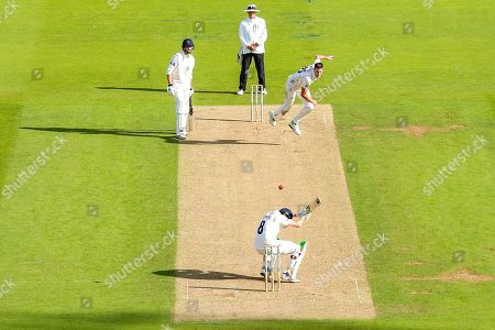 Morne Morkel of Surrey bowls towards Liam Dawson of Hampshire during the Specsavers County Champ Div 1 match between Surrey County Cricket Club and Hampshire County Cricket Club at the Kia Oval, Kennington